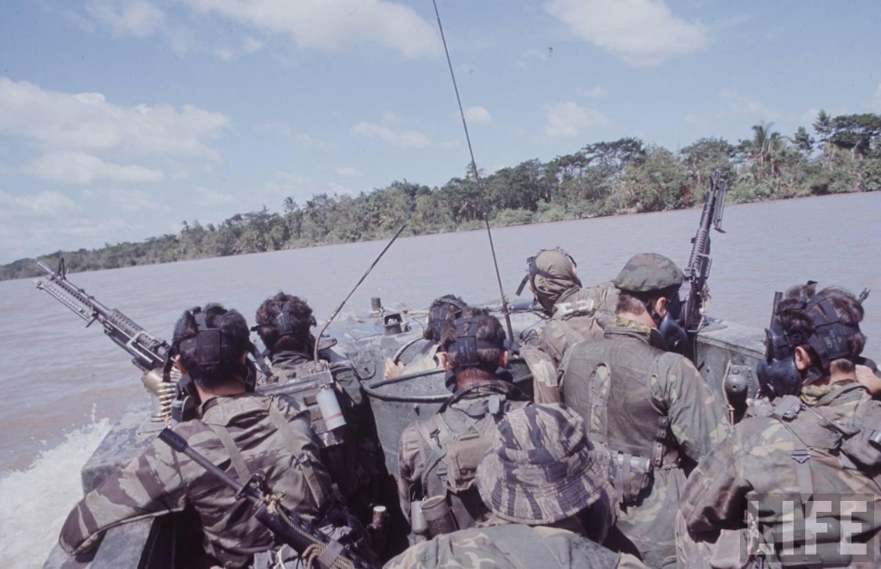 guerre du vietnam - Page 2 4QX1Ro76JV0