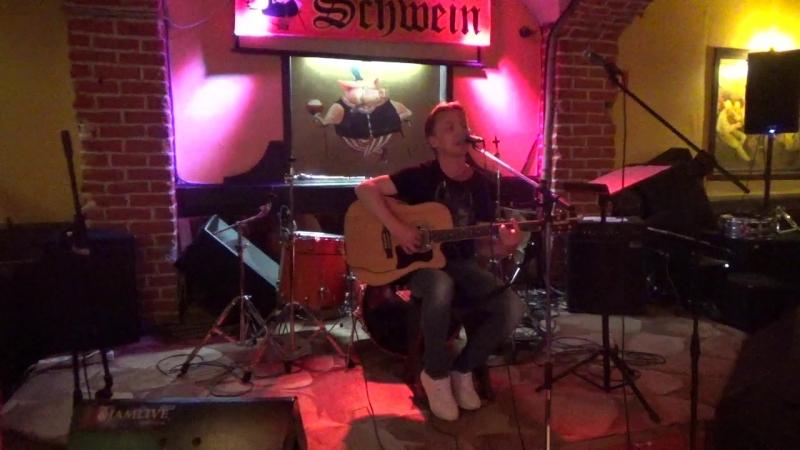 Артем Грек(unlimited arts show в SCHWEIN Клуб-бар ШВАЙН,24.4.18)