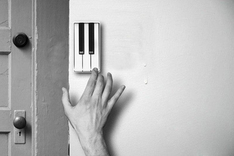 Дверной звонок в виде клавиш пианино Особенность этого звонка в том что у него есть несколько клавиш благодаря которым в