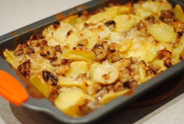 Картофель в сметане с грибами