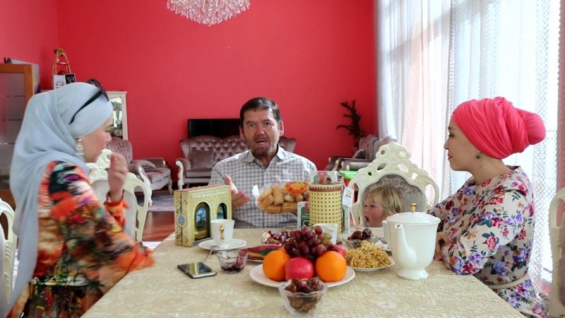 Гульбика Хайрльварина и Гузелия Тулубаева (Уфа) привезли Исмагилy Шангареевy журнал Аиша, цветочный мёд , золотую коллекцию