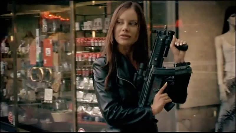 Xenia Seeberg as Mona (Kloun)(Der Clown) 2005