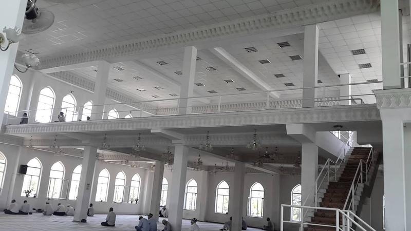 Мечеть Шейха Муслихиддина изнутри