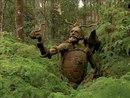 Работы австралийского скульптора Бруно Торфса, которые он расставляет в лесу