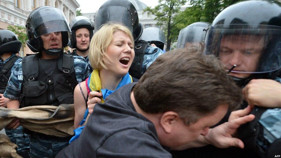 Юго-восток Украины зачищают от русскоязычного населения 3