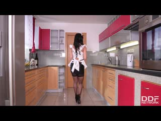Inna innaki french maid deepthroats in kitchen [blowjob]