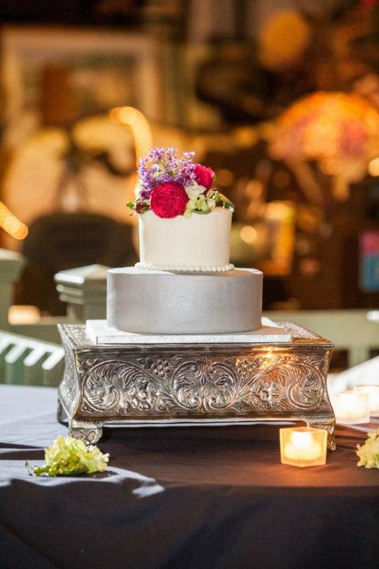 gvaECPt0DFc - Золотые и серебряные свадебные торты 2016 (70 фото)