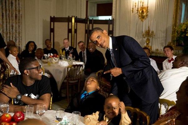 Президент Обама застукал спящего ребенка