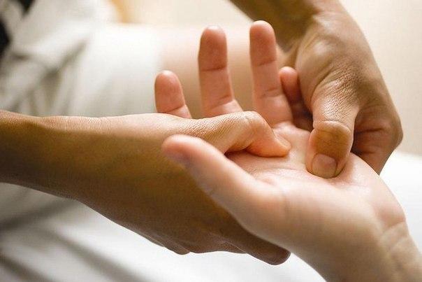 По рукам человека можно определить чем он болен… (1 фото) - картинка