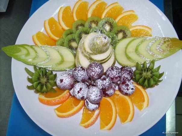 сервировка из овощей.фруктов фото