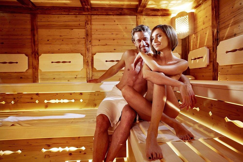 foto-dam-v-saune-rus-porno-zhena-dlya-druga