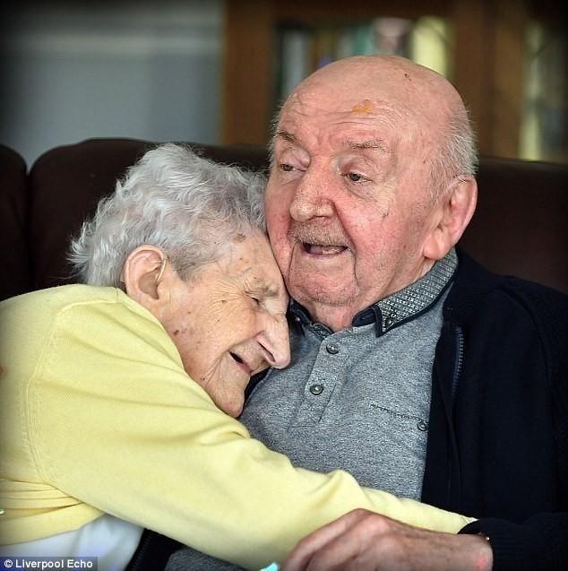 98-летняя Ада Китинг нарочно переехала в дом...