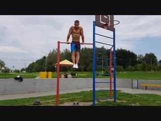 23 average muscle-ups