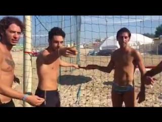 Gianluca Ginoble e i calciatori Jacopo Dezi e Daniele Croce