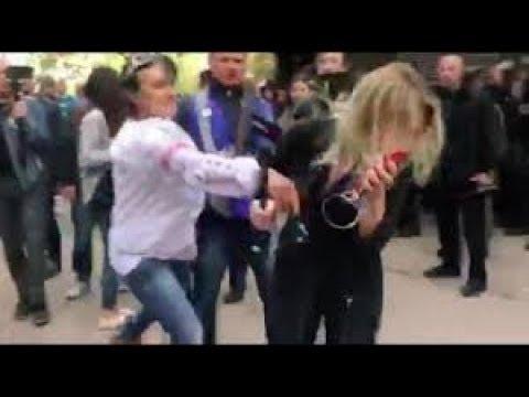 Бандеровцы ИЗБИЛИ журналистку NEWSONE . Нацисты Авакова и Порошенко
