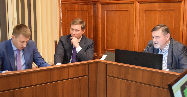 В Северодонецке депутаты не являются на работу - прогуливают, очередная сессия опять не состоялась