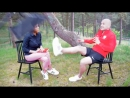 Польский футболист ногой поймал осветительный прибор на интервью