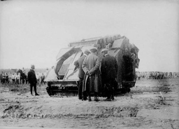 OIRAULT МАШИНА ПРЕОДОЛЕНИЯ ЗАГРАЖДЕНИЙ Через три месяца после начала Первой Мировой войны стало очевидным что боевые действия на Западном фронте будут носить исключительно позиционный характер.