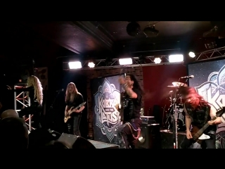 Kobra and the Lotus-Let Me Love You
