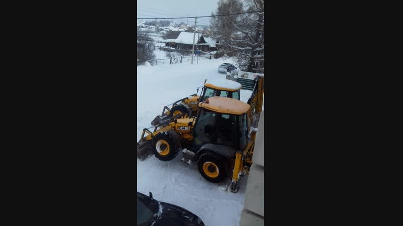 как уберают снег в России