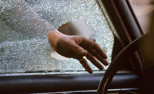 Двое жителей станицы Кардоникской угнали автомобиль