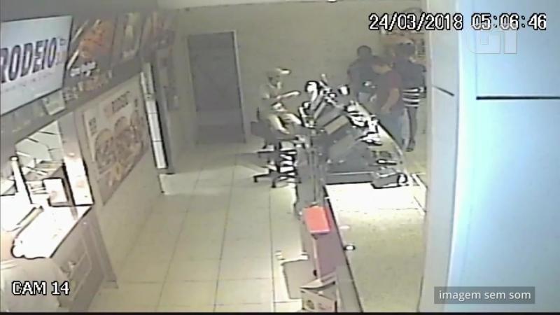 [1280x720] Polícia analisa vídeo de lanchonete onde cliente recebeu pedido com a palavra macaco São Paulo G1