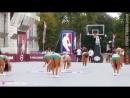 НЕВЕРОЯТНЫЕ БАСКЕТБОЛЬНЫЕ ТРЮКИ _ Лучшие слэм данк броски в баскетболе с батута в прыжке
