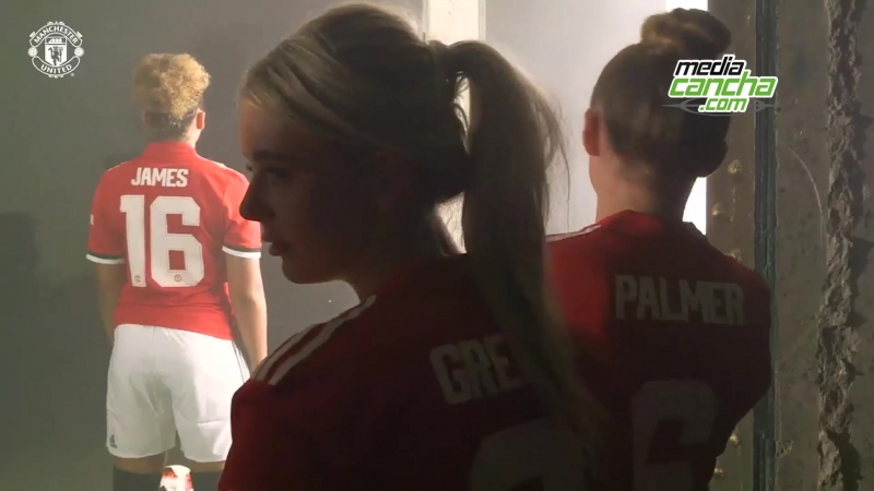 Man. United presenta su equipo femenil