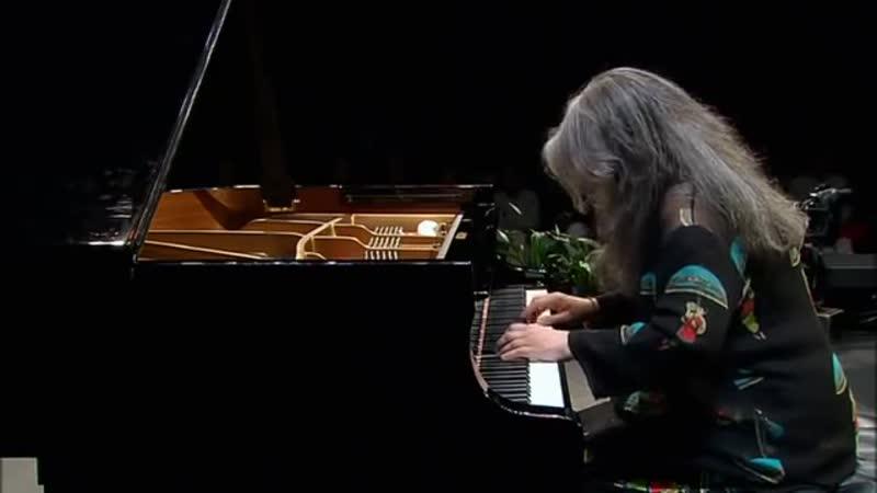 Johann Sebastian Bach - Piano Partita No. 2 In C Minor, BWV 826 - Martha Argerich