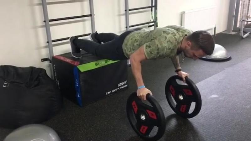 Отжимания, включающие мышцы стабилизаторы.