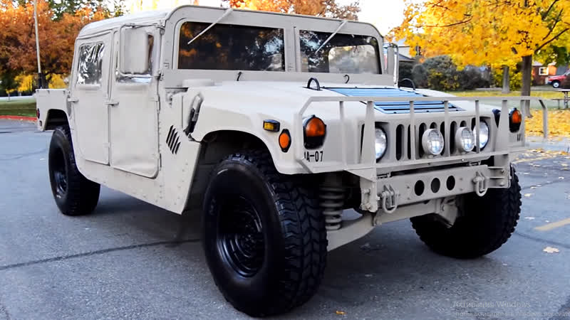 Автомобиль AM General HMMWV Humvee, 1985 года