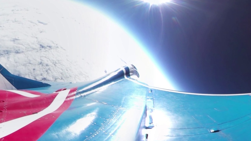 360° cam captures Russian MiG-29 flying into the stratosphere