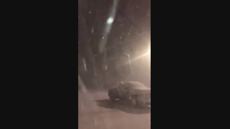 Thundersnow tonight in Galva Illinois USA during the Blizzard impacting the United State