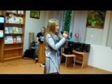 Поет солистка детской концертной студии