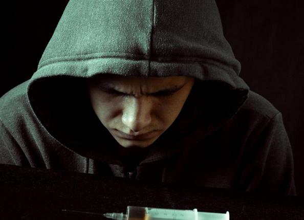 Депрессия часто встречается у тех, кто страдает от героиновой абстиненции