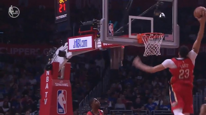 Rajon Rondo Throws Crazy Off The Backboard Alley-Oop To Anthony Davis!
