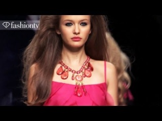 Models - Kristina Romanova & Valerija Kelava: Top Models at Spring 2012 Fash...