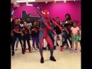 Человек-паук отрывается хорошее настроение, юмор, комедия, паук танцует, пляски, танец, мститель, комиксы Марвел, Marvel.