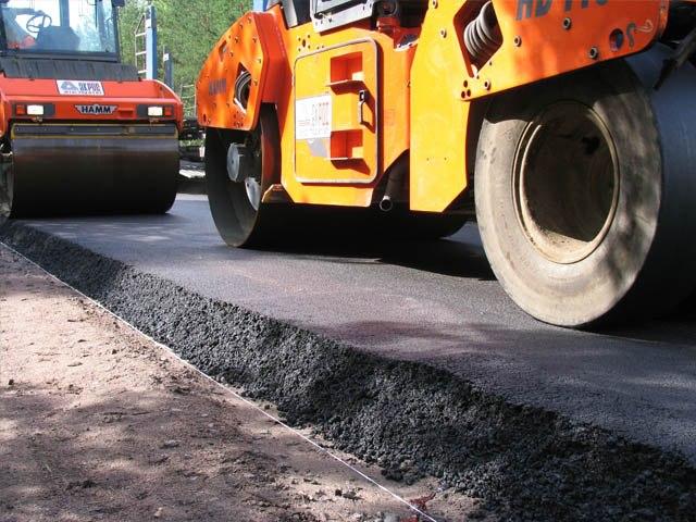 В Таганроге продолжается ремонт улицы Спортивной