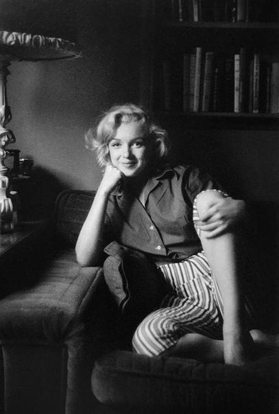 Фото обворожительной Мэрилин Монро Автор: Милтон Грин1953 г.
