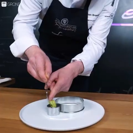 """CHEF'D UP. on Instagram: """"A @gronda.eu production 🤩👏🏼 King crab, lettuce, avocado, wasabi, radish. Learn from Michelin star chef 👨🏼🍳 Stephan Brand..."""