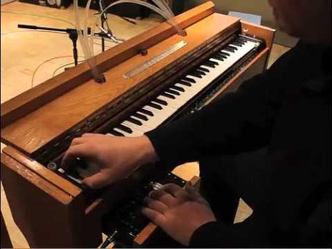 Thomas Bloch Ondes Martenot performance