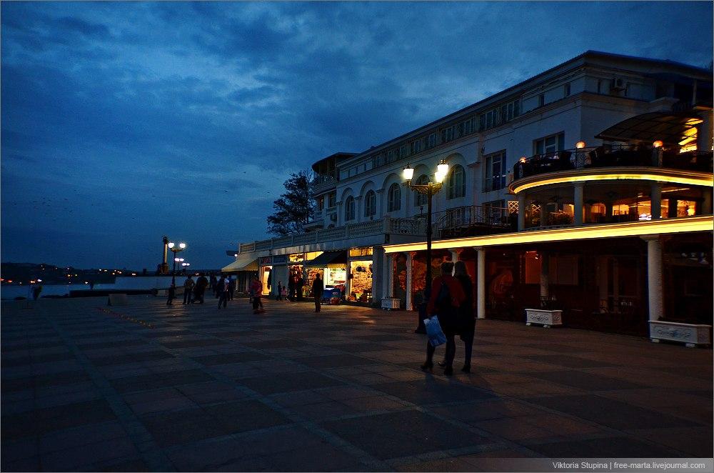 Вечерний Севастополь. Фото: Виктория Ступина