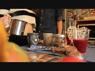 Un tè in perizoma! - A tea in thong