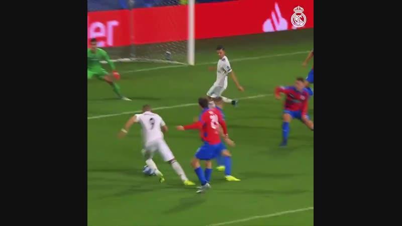 Real Madrid C.F.⚽ - 🎯 Los diez goles de @Benzema esta temporada_ Supercopa de Europa ⚽ LaLiga ⚽⚽⚽⚽