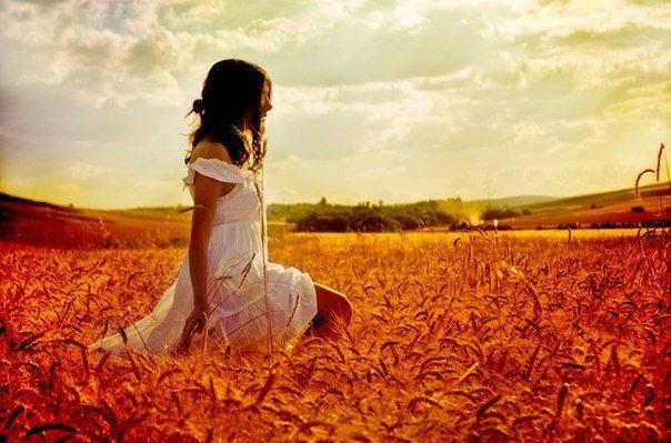 Счастье — это когда тебе ничего не нужно в данный момент, кроме того, что уже есть.