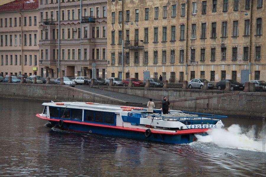 навигация по каналам в Санкт-Петербурге