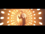 Gianluca Vacchi, Luis Fonsi ft. Yandel - Sigamos Bailando