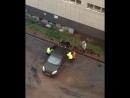 Уфа Королева 19 стелят асфальт забыл убрать автомобиль