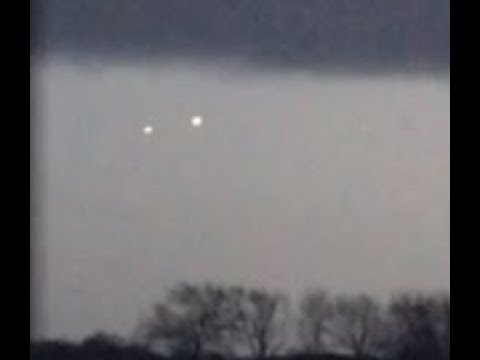 Two Bright UFOs Filmed Over Northwest Ohio. April 18, 2018